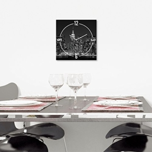 Wanduhr aus Glas, New York Skyline, schwarz-weiß, 30x30 cm von Eurographics - 2