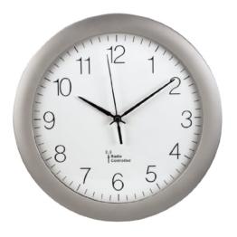 Hama Funk-Wanduhr Küchenuhr (leise, 30cm groß, automatische Zeitanpassung und Zeitumstellung von Sommer- und Winterzeit, modernes Ziffernblatt) Küchenwanduhr silber - 1