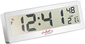 infactory LCD Funkwanduhr: Kompakte Funkuhr mit riesigem XXL-LCD-Display und Temperatur-Anzeige (Funkuhr Großes Display) - 1