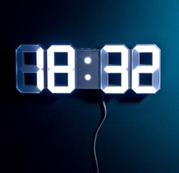 Lunartec Digitaluhr: Große Digital-LED-Tisch- & Wanduhr, 7 Segmente, dimmbar, Wecker, 21 cm (LED Tischuhr) - 6