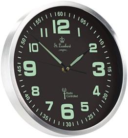 St. Leonhard Wand Funkuhr: Funk-Wanduhr mit Quarz-Uhrwerk, nachleuchtenden Ziffern und Zeigern (Leuchtuhr) - 1